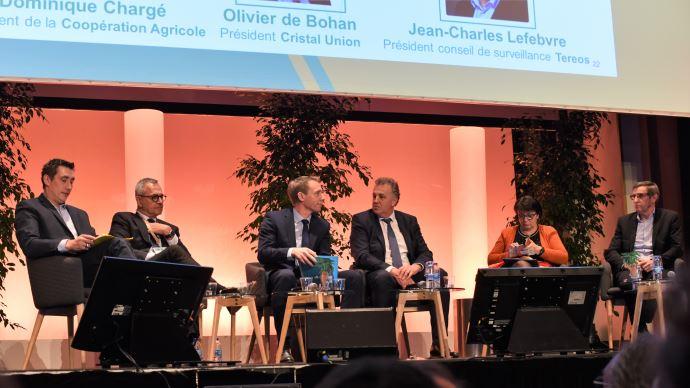 Samuel Vandaele, Jean-Charles Lefèbvre, Franck Sander, Olivier de Bohan, Christiane Lambert et Dominique Chargé, lors de l'AG de la CGB. (©Terre-net Média)